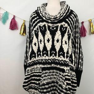 Free People Rosie Lee Poncho boho sweater sz-M